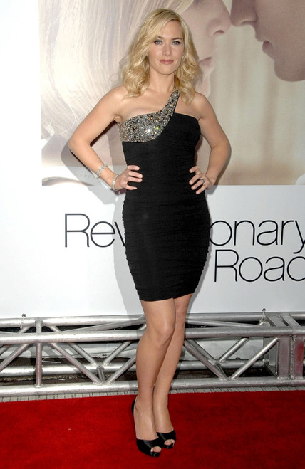 Kate Winslet At Arrivals For Revolutionary Road World Premiere, Mann'S Village Theatre, Westwood, Ca, December 15, 2008. Photo By Dee CerconeEverett Collection Celebrity - Item # VAREVC0815DCDDX029