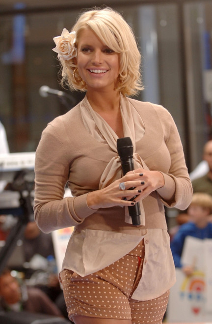 Jessica Simpson On Stage For Nbc Today Show Concert With Jessica Simpson, Rockefeller Center, New York, Ny, September 01, 2006. Photo By Brad BarketEverett Collection Celebrity - Item # VAREVC0601SPADK015