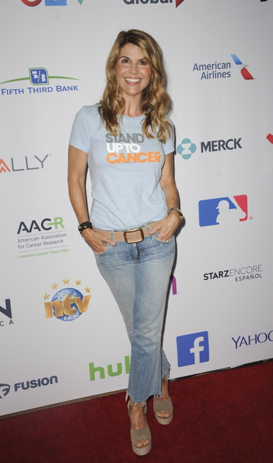 Lori Loughlin At Arrivals For Stand Up To Cancer 2016, Walt Disney Concert Hall, Los Angeles, Ca September 9, 2016. Photo By Elizabeth GoodenoughEverett Collection Celebrity - Item # VAREVC1609S05UH115