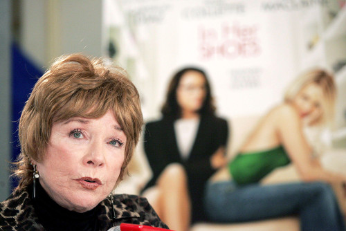 Shirley Maclaine At The Press Conference For In Her Shoes Premiere At Toronto Film Festival, Sutton Place Hotel, Toronto, On, September 14, 2005. Photo By Malcolm TaylorEverett Collection Celebrity - Item # VAREVC0514SPAYL045