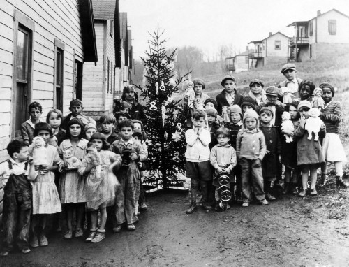 A Group Of Poor Miner'S Children In West Virginia Hold The Gifts They Received From First Lady Lou Hoover History - Item # VAREVCHBDPOVECS003