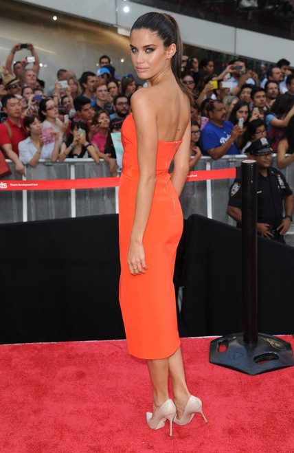 Sara Sampaio At Arrivals For Mission Impossible _ Rogue Nation Premiere, Duffy Square, New York, Ny July 27, 2015. Photo By Kristin CallahanEverett Collection Celebrity - Item # VAREVC1527L02KH046
