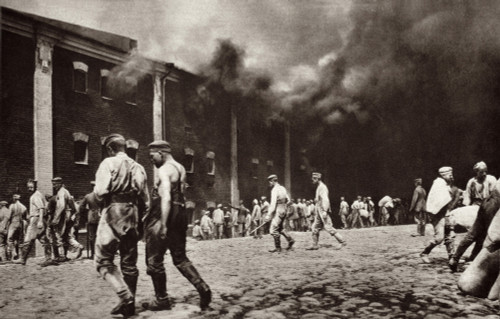 World War 1. The Citadel Of Brest-Litovsk In Flames After The Town Was Captured By The Germans In Late AugustEarly Sept. 1915. Russian Forces Left The City In August-September 1915 History - Item # VAREVCHISL034EC695