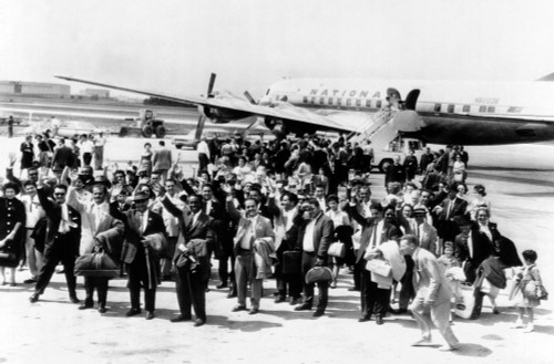 Cuban Refugee Families Arrive At Chicago'S O'Hare Field From Miami. 29 Families Were Resettled Under The Sponsorship The Chicago Committee For Cuban Resettlement Housing May 15 History - Item # VAREVCCSUA001CS598