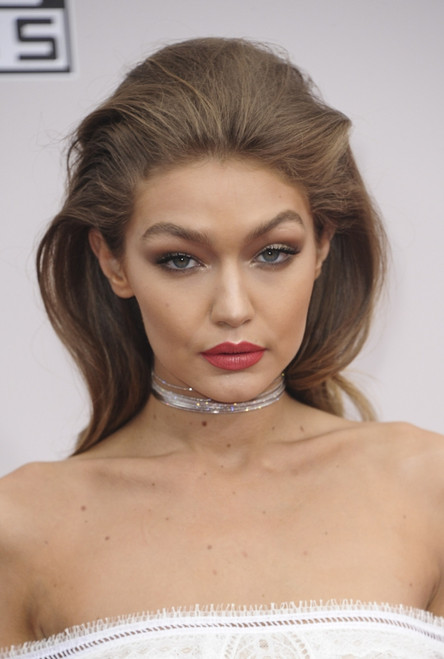 Gigi Hadid At Arrivals For 2016 American Music Awards - Arrivals, Microsoft Theater, Los Angeles, Ca November 20, 2016. Photo By Elizabeth GoodenoughEverett Collection Celebrity - Item # VAREVC1620N01UH070