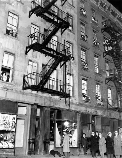Murder In The Slums. In The Doorway Of His Cafe History - Item # VAREVCSBDMURDEC001