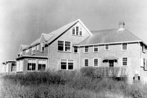 The Summer Home Of President John F. Kennedy In Hyannis Port History - Item # VAREVCHBDJOKECS002