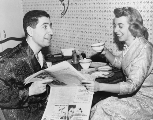 Dr. Joyce Brothers Having Breakfast And Reading Newspaper With Her Husband Milton. Dr. Brothers Emerged In The 1950'S As A Popularizer Of Psychology Via Books And Television. 1955. History - Item # VAREVCHISL006EC098