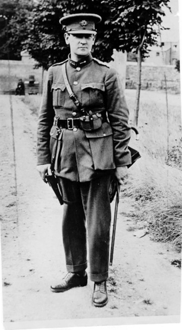 Michael Collins- Portrait Of The Commander-In-Chief Of The Irish National Forces.  8-14-22 - Cpl ArchivesEverett Collection History - Item # VAREVCHBDMICOCL002