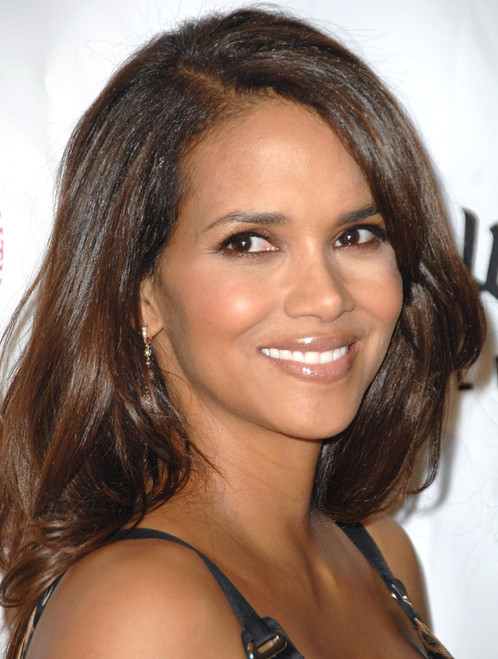 Halle Berry At Arrivals For Jenesse Silver Rose Gala & Auction, Beverly Hills Hotel, Beverly Hills, Ca, April 27, 2008. Photo By David LongendykeEverett Collection Celebrity - Item # VAREVC0827APDVK011
