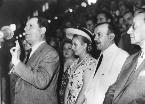 Argentine President Juan Domingo Peron Addressing An Assembly In Buenos Aires. Behind Him History - Item # VAREVCHISL038EC604