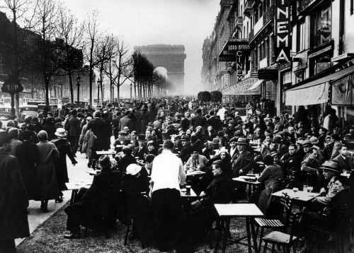 Easter Monday On The Champs Elysees With Customers At Apertif Hour. 41034. Courtesy Csu ArchivesEverett Collection. History - Item # VAREVCSBDFRPACS001