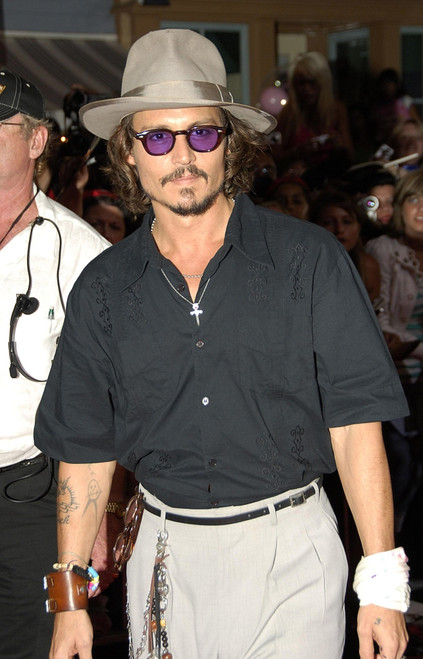 Johnny Depp At Arrivals For Pirates Of The Caribbean Dead Man_S Chest Premiere, Disneyland, New York, Ny, June 24, 2006. Photo By Michael GermanaEverett Collection Celebrity - Item # VAREVC0624JNAGM097
