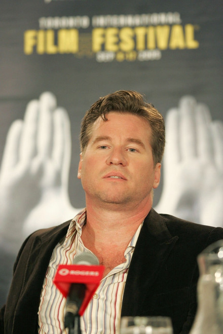 Val Kilmer Inside For Kiss, Kiss, Bang, Bang Press Conference, Sutton Place Hotel, Toronto, On, September 09, 2005. Photo By Malcolm TaylorEverett Collection Celebrity - Item # VAREVC0509SPAYL009