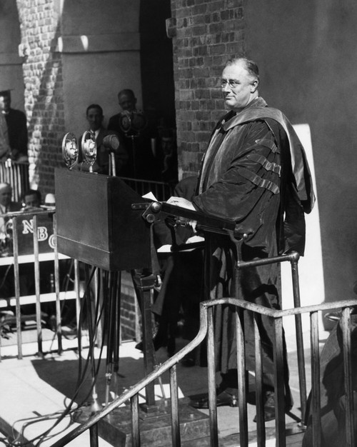 Fdr Presidency. Us President Franklin Delano Roosevelt Delivering An Address At The College Of William And Mary After Upon Receiving An Honorary Degree History - Item # VAREVCPBDFRROEC022