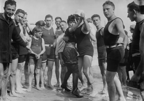A Couple Dances The Tango For The Camera On Brighton Beach History - Item # VAREVCHISL043EC053