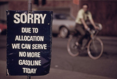 'Sorry. Due To Allocation We Can Serve No More Gasoline Today ' Reads A Sign At The End Of The Energy Crisis In April 1974 When Opec Oil Cartel Lifted Its Embargo On Sales To Israel'S Allies During The Yom Kipper War. Ca. 1973-75. - Item # VAREVCHISL