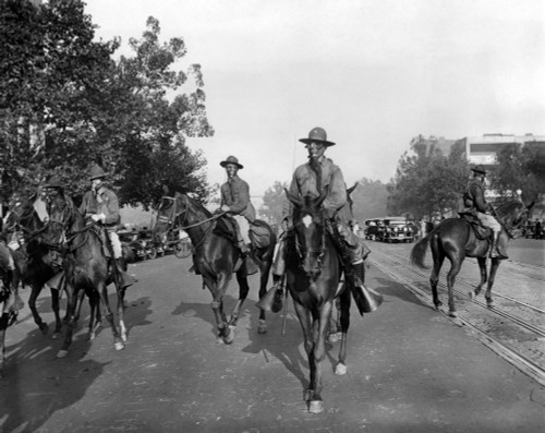 Gas Masked Cavalry On Pennsylvania Avenue Reinforce Washington Dc Police. Bonus Army Veterans Resisted Police Evictions From Their Shanty Town On Anacostia Flats. The Troops Would Use Tear Gas Against The Veterans In Their Camp. July - Item # VAREVCC