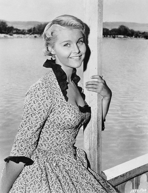 Carol Lynley - paisley dress black collar Photo Print (8 x 10) - Item # DAP14332