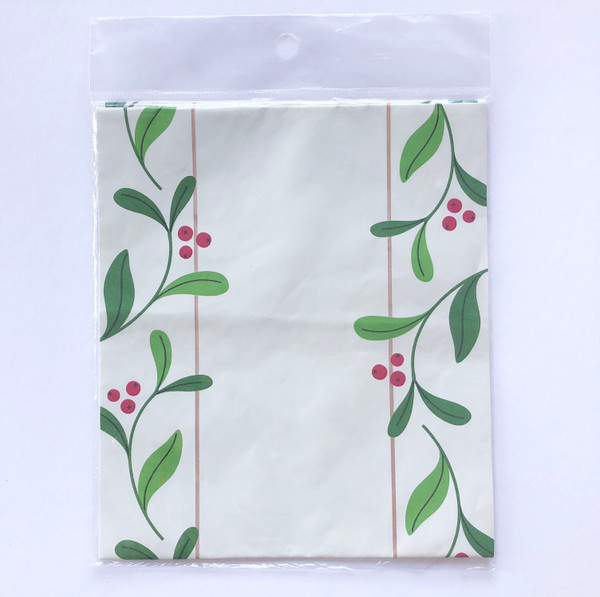 Holiday 9-ft Disposable Paper Table Runner Ivory with Leaves & Berries