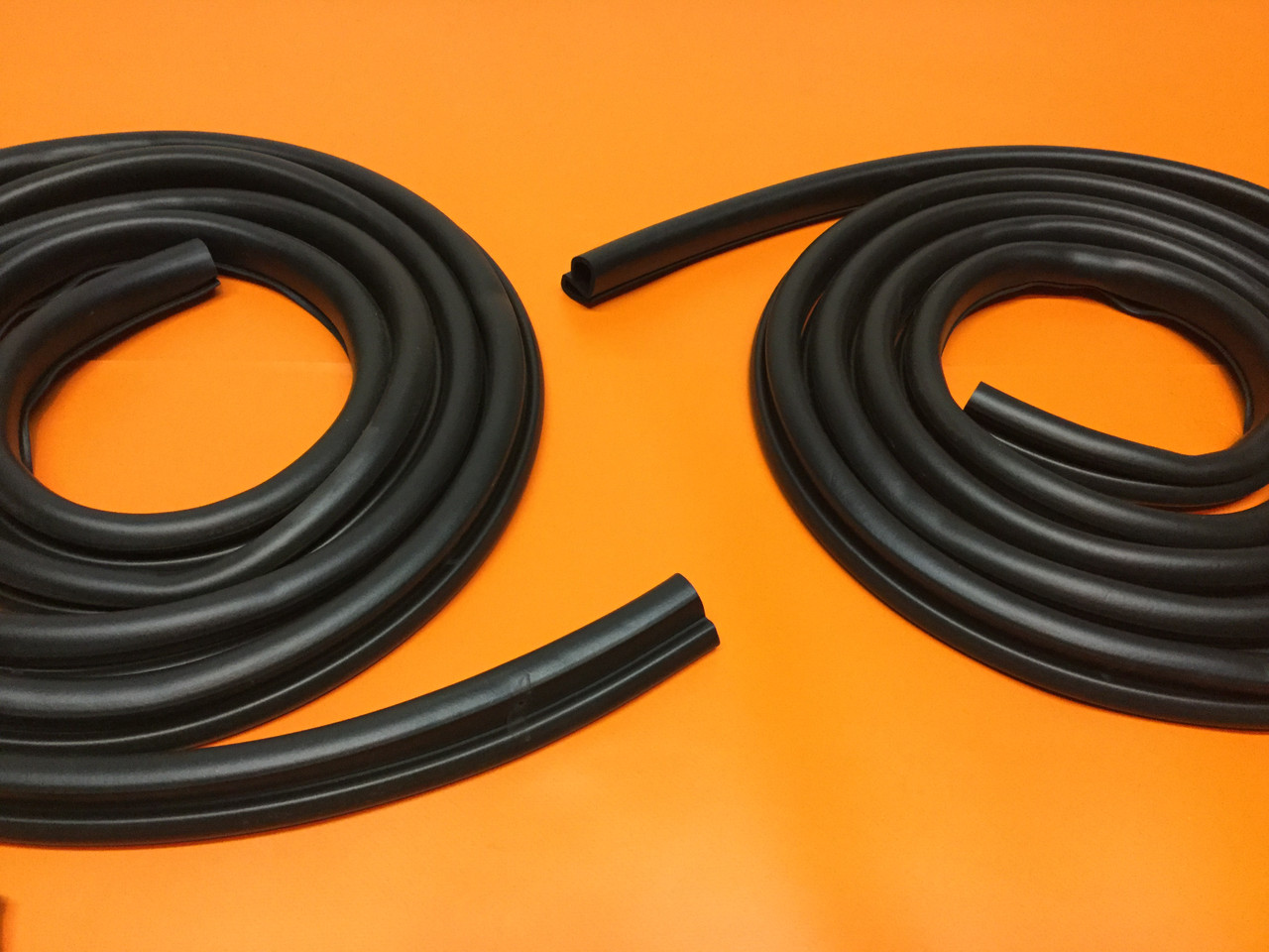 1971-1972 Ford Pickup Door Seal Weatherstripping Kit Precision