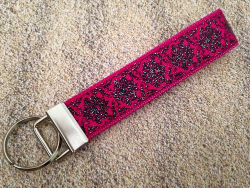 "Keychain Wristlet - Damask Glitter Fuchsia/Black 9"""