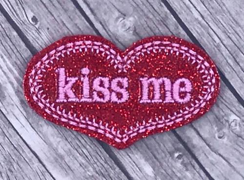 Collar Glam - Kiss Me