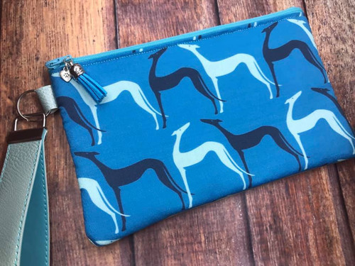 Long Neck Stretch Hounds / Metallic Aqua Pleather Top Zip Bag 8.5x5.25