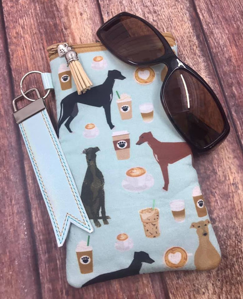 Cafe Hounds / Metallic Aqua Pleather Sunglasses Bag 4x7