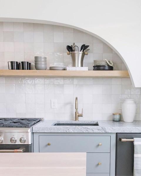 "Studio White Cloud Gloss 5""x5"" Wall Tile on Kitchen Backsplash"