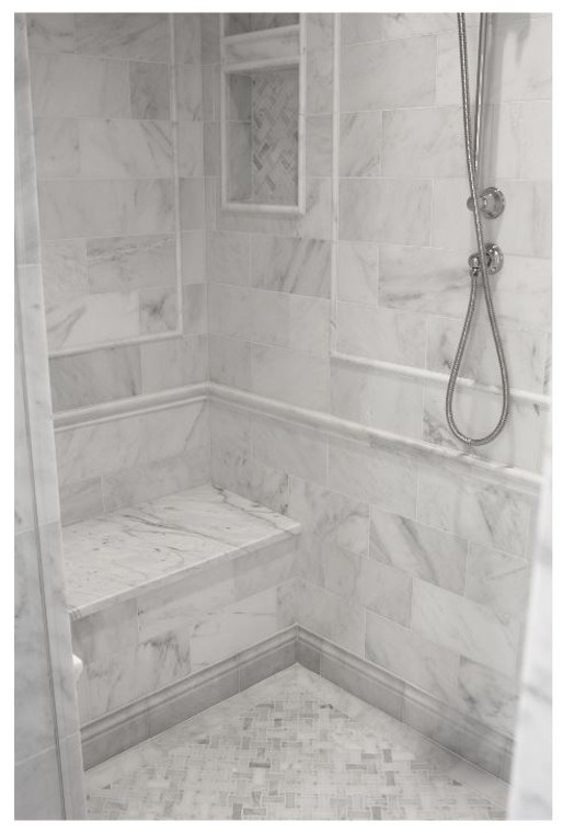 """Ocean White Honed 6""""x12"""" Marble Tiles with 3/4""""x12"""" Ocean White Honed Pencil Liners"""