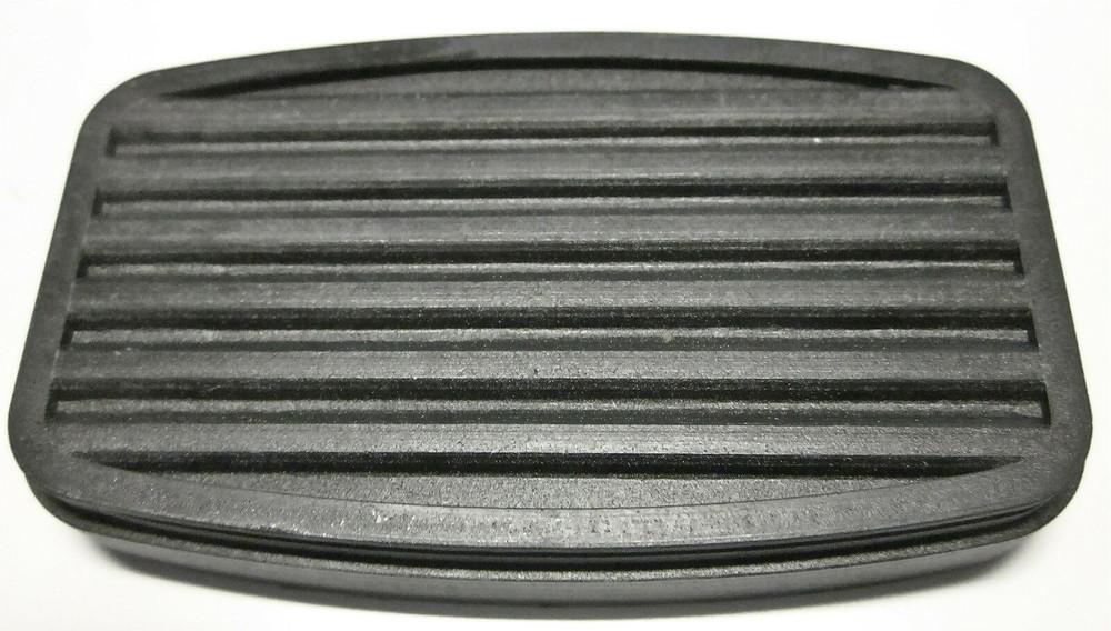 1950-57 INTERNATIONAL L, R, S & METRO BRAKE/CLUTCH PEDAL PAD
