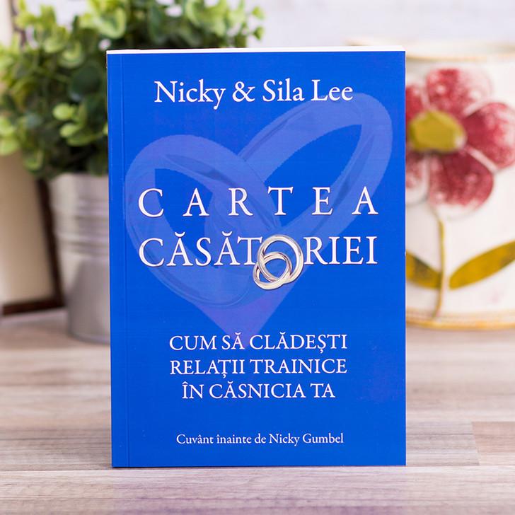 Cartea Casatoriei, nicky lee,