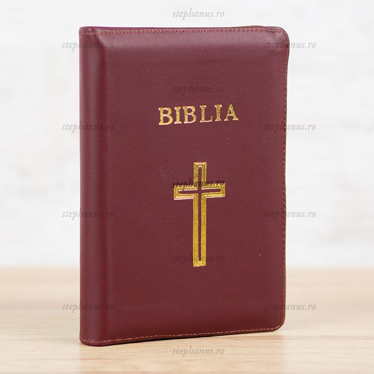 Biblia medie  piele+fermoar (visiniu) cruce