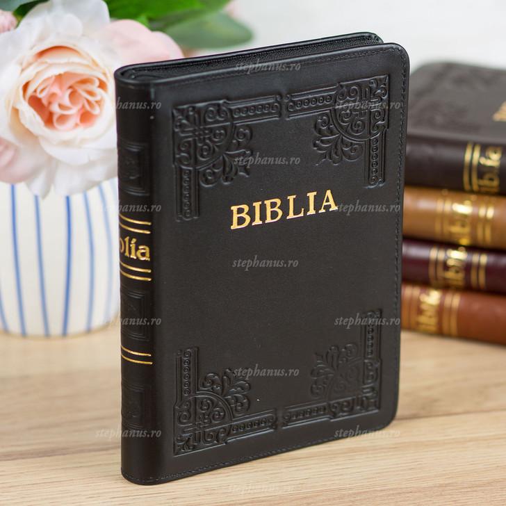 BIBLIA cu fermoar - piele / format mijlociu / Negru