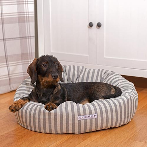 Mutts & Hounds Flint Striped Donut Bed