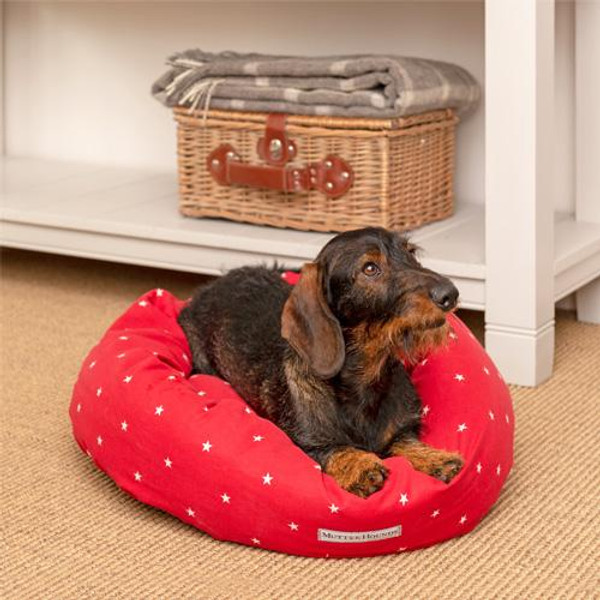 Mutts & Hounds Cranberry Stars Donut Bed
