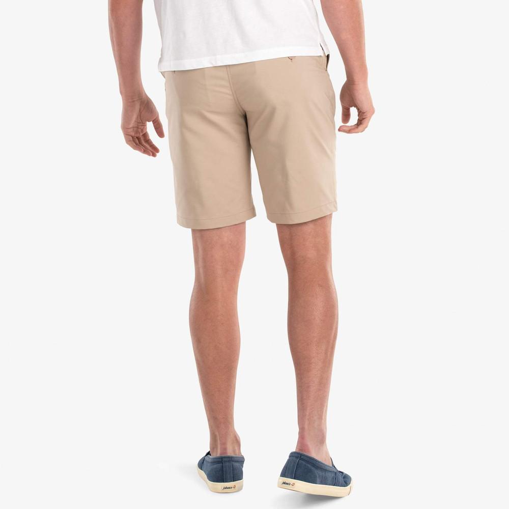 Mulligan PREP-FORMANCE Shorts in Light Khaki by johnnie-O