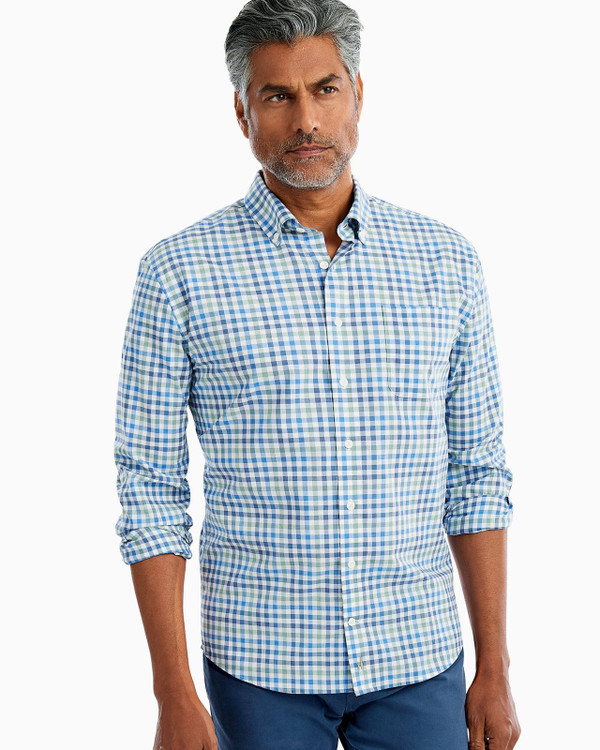 Caiden Hangin' Out Button Down Shirt in Wake by johnnie-O