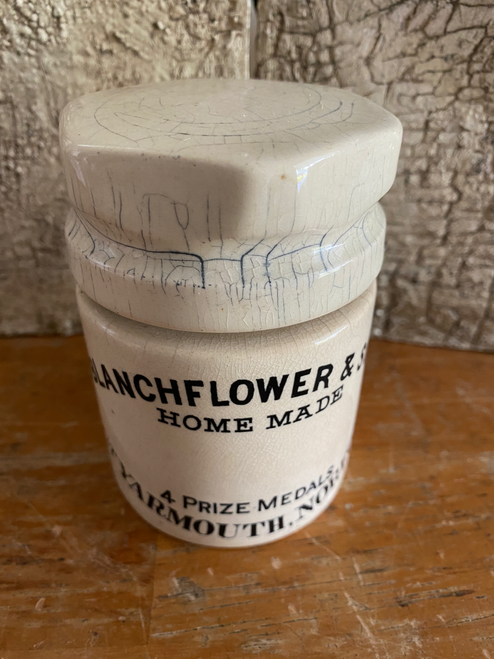 Blanchflower Jam Pot with lid