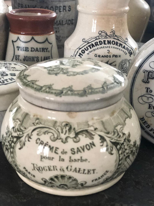 Roger and Gallet shaving soap pot