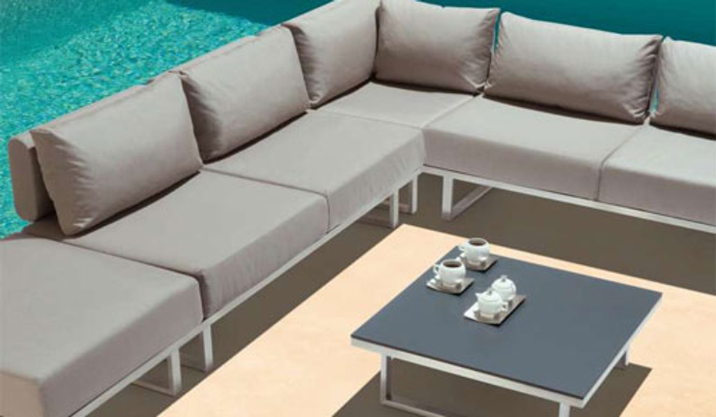 Outdoor_Furniture-Pacific_Patio_Furniture-Barlow_Tyrie-Los_Angeles-Mercury_Seating-img61.jpg