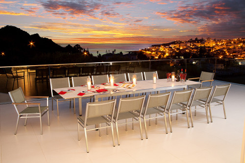 Outdoor_Furniture-Pacific_Patio_Furniture-Barlow_Tyrie-Equinox_Dining-img4.jpg