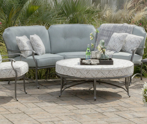 outdoor_curved_patio_furniture-patio_furniture_los_angeles-agio_los_angeles-agio-agio_sydney_curved_seating-curved_outdoor_seating-img.jpg