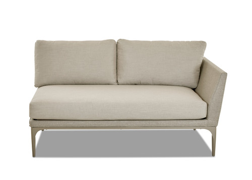 klaussner_urban_retreat-urban_retreat_sectional_outdoor_upholstered_sectional-img.jpg