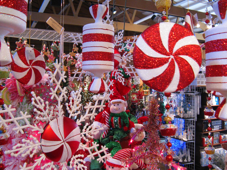 christmas-gift-shop-4.jpg