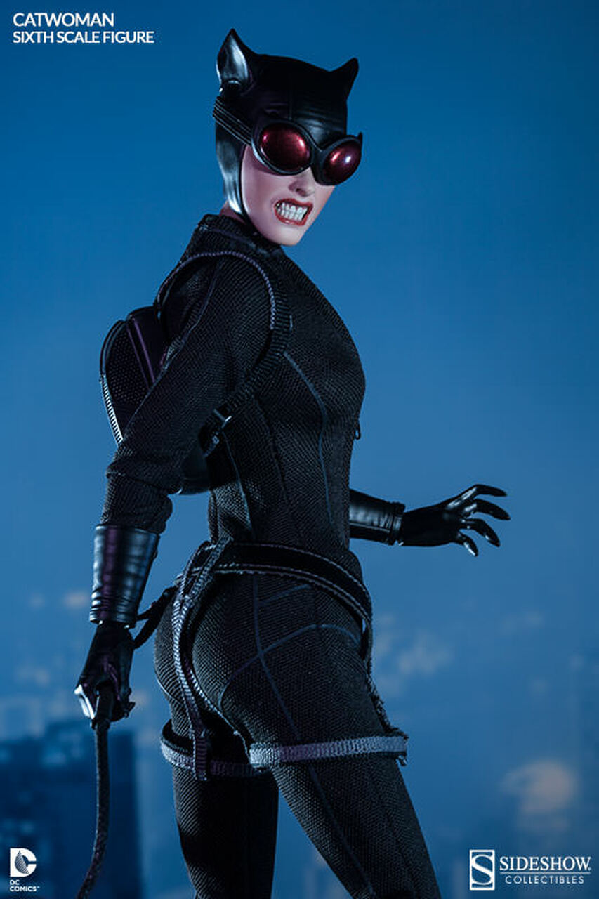 100164 Catwoman Selina Kyle 3