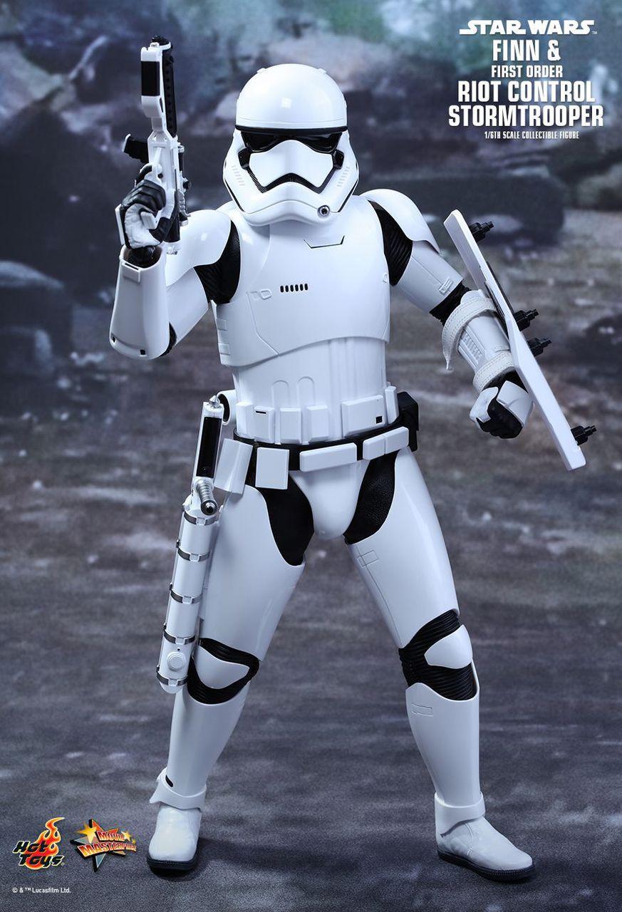 MMS346 Star Wars Finn & Riot Stormtrooper 3