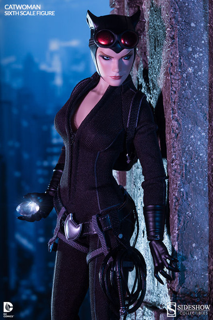 100164 Catwoman Selina Kyle 2