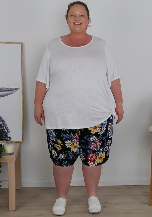 Plus Size Black Floral Easy Wear Shorts